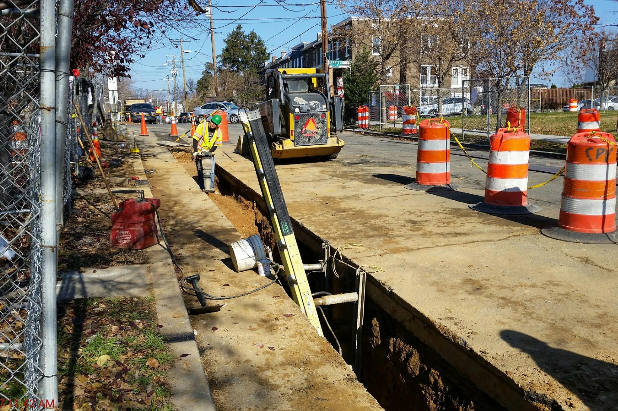 Backfilling between Sta.1+59 - Sta. 0+79 on 6th St NE_Dec 1