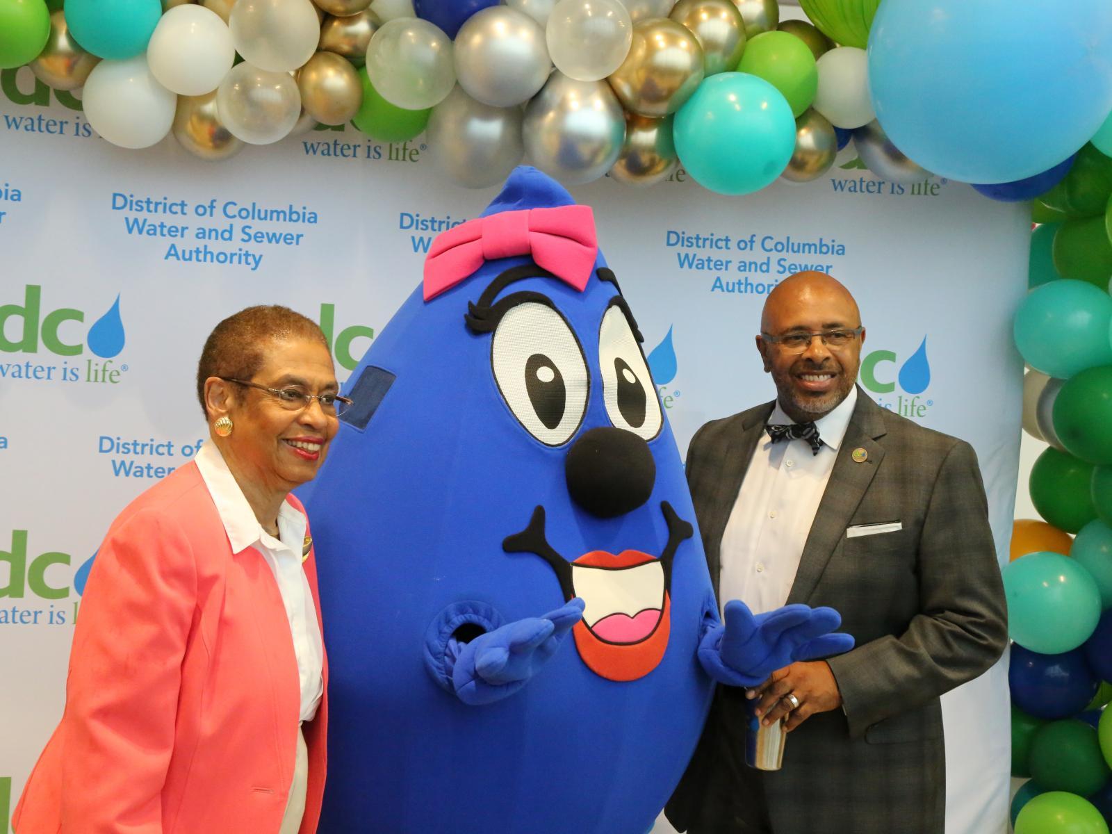 Congresswoman Eleanor Holmes Norton and DC Water CEO David Gadis celebrate new building